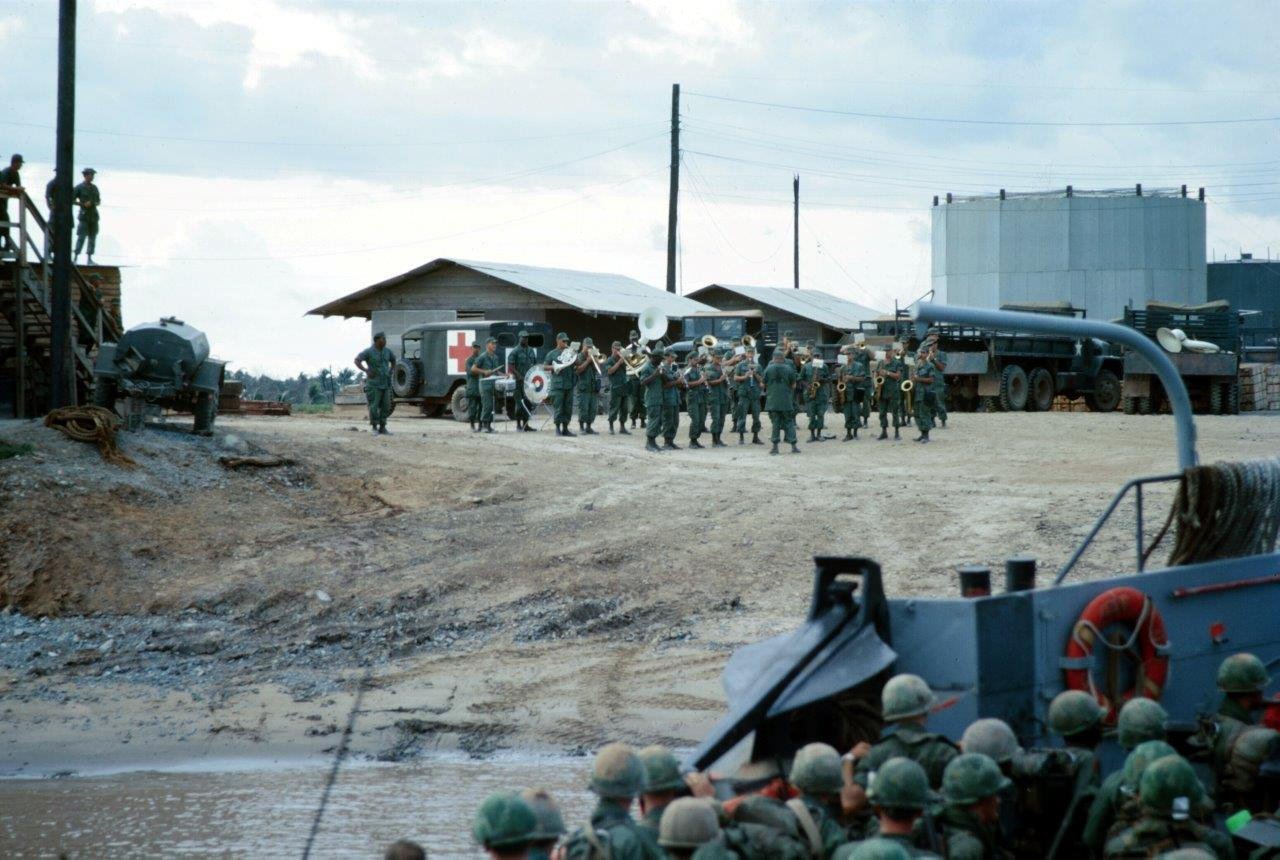 US 9th Infantry bank welcome a new battalion