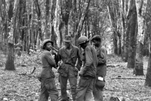 Us soldiers harmonize on the battle field of Vietnam